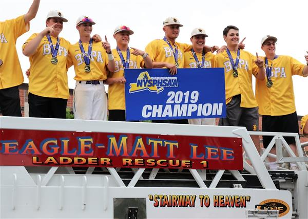 Boys 2019 Varsity Baseball Team wins NY State Class A Competition